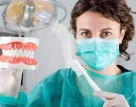 А ви знаєте, як правильно чистити зуби? Давайте перевіримо! фото