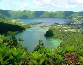 Азорські острови - куточок вічного сонця і яскравої зелені в атлантиці фото