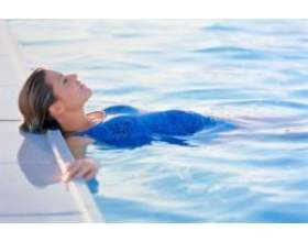 Вагітність: плавання під час вагітності фото