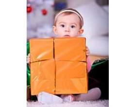 Що подарувати однорічному малюку фото