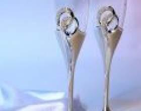 Декор весільних келихів: кілька ідей фото