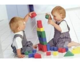 Дитячі іграшки для дітей від 0 до 1 року фото