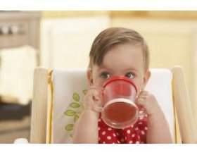 Додаткове харчування й питво для малюка фото