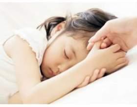 Головний біль у маленьких дітей фото