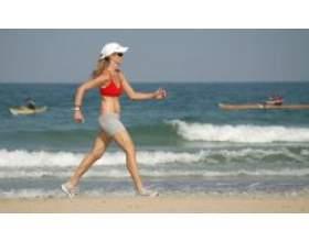 Ходьба зміцнює здоров'я жінок фото