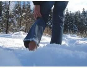 Ходіння по снігу босоніж фото