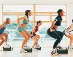 Хрумтить коліно при присіданні: як лікувати? фото
