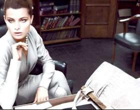 Ювелірний дрес-код - прикраси для офісу фото