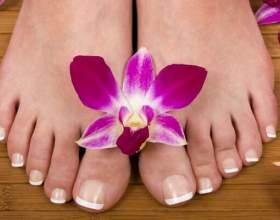 Як робити педикюр будинку: поради для красивих ніжок фото