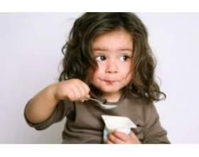 Як навчити дитину їсти самостійно? фото