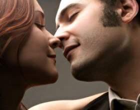 Як зрозуміти, що хлопець хоче тебе поцілувати? фото