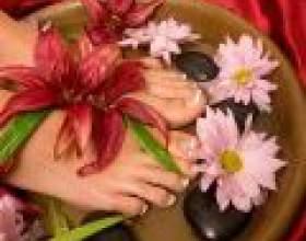 Косметичні засоби для догляду за ногами фото
