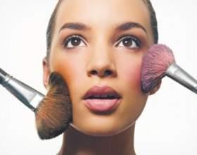 Гарний і природний макіяж або як правильно нанести рум'яна фото