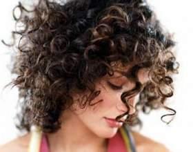 Кучеряве волосся: стрижка і укладка фото