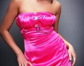 Маленьке рожеве плаття: куди і з чим надягати фото