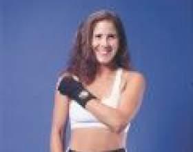 Вправи для підтяжки і зміцнення грудей фото
