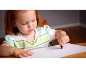 Навчити дитину ліпити й малювати фото