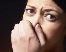 Неприємний запах з рота: причина криється в недостатній гігієні або в неправильній організації харчування фото