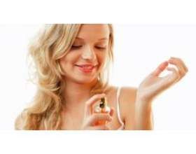 Новинки жіночих парфумів фото