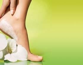 Ніжки для червоної килимової доріжки: осінні новинки для догляду за ногами фото