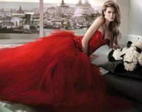 Полум'я пристрасті: червоне весільну сукню фото