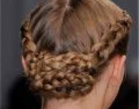 Плетіння волосся для свят і на кожен день фото