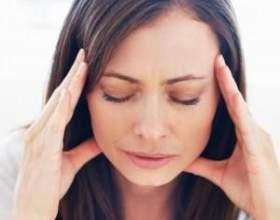 З якої причини виникає головний біль у скронях? фото