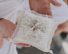 Подушка для кільця - незамінний весільний аксесуар фото