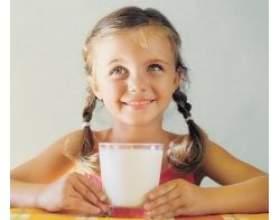 Корисні властивості молока в раціоні харчування школяра фото
