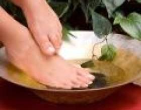 Догляд за ногами: масаж ступень, пальців ніг і гомілковостопних суглобів фото