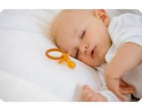 Переривчастий сон вашого малюка фото