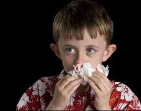 Причини носових кровотеч у дітей та дорослих фото
