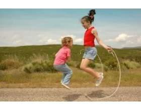 Стрибки: їх роль в житті дитини і вправи фото