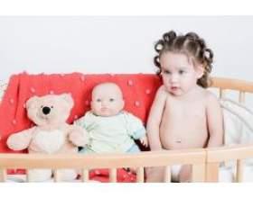 Розвиток дитини другого року життя фото