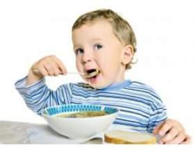 Дитина не їсть у дитячому садку фото