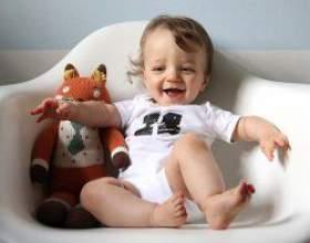 Дитина в 10 місяців: режим харчування, що він повинен вміти? фото