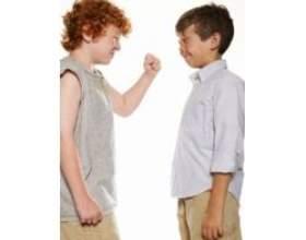 Дитину ображають в початковій школі однокласники, поради психолога фото