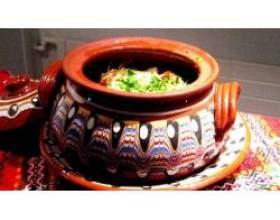 Рецепт гарячого блюда в горщику фото