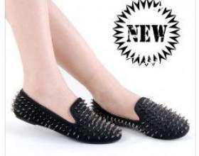 З чим носити взуття з шипами? фото