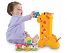 Сучасні розвиваючі іграшки для дитини першого року життя фото