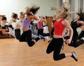 Танцювальна аеробіка: вправи для розігріву всіх м'язів фото