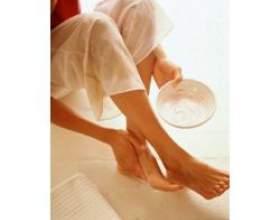 Догляд за ногами в холод фото