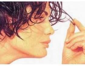 У чому причини випадання волосся фото