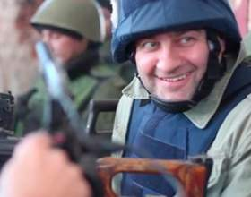 У мережу потрапило відео, на якому актор михайло пореченков стріляє з кулемета в сторону донецька фото