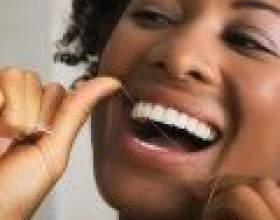 Причини неприємного запаху з рота: гігієна порожнини рота фото