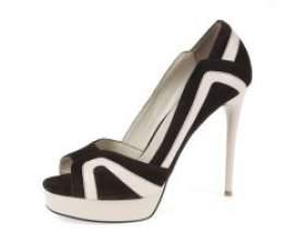 Жіночі туфлі на шпильці фото