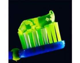 Зубна паста для маленьких дітей фото